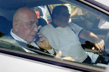 Balotellis agent meets with Adriano Galliani: Arsenal will have to pay €37m cash for Super Mario