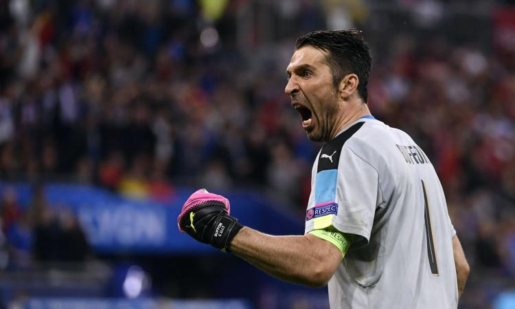 Juve, Buffon ha vinto il Golden Foot 2016