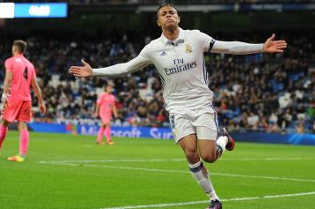 mariano diaz, real madrid, esulta, braccia larghe, 2016/17