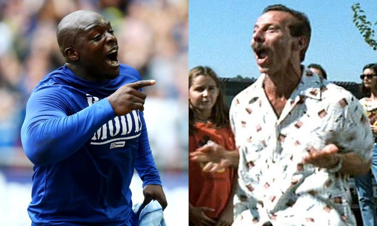 Akinfenwa come Giovanni, umilia un piccolo fan a braccio di ferro VIDEO