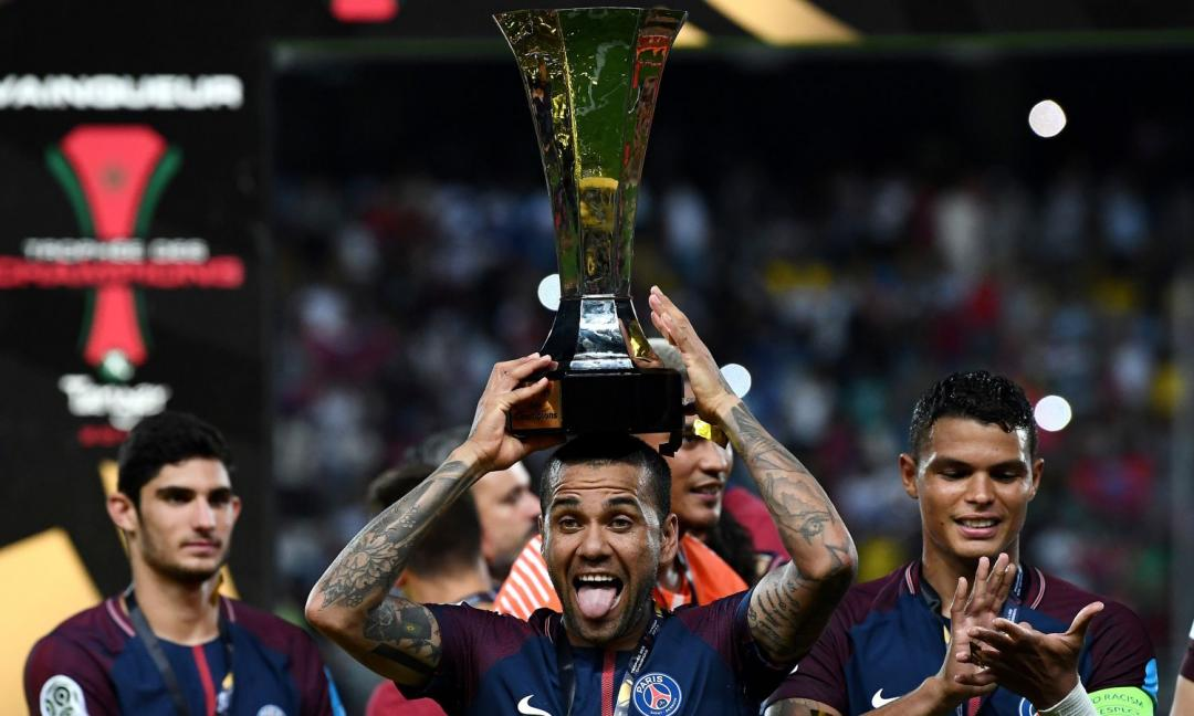 Dani Alves, il Pulcinella made in Brazil