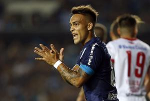 Exclusive, Romano: Inter win the race to sign highly-rated Argentine striker -  the details of the operation