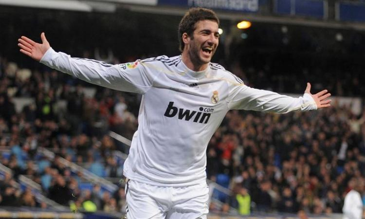 Real Madrid: blindato Higuain, ecco le offerte per Kolarov e Maicon