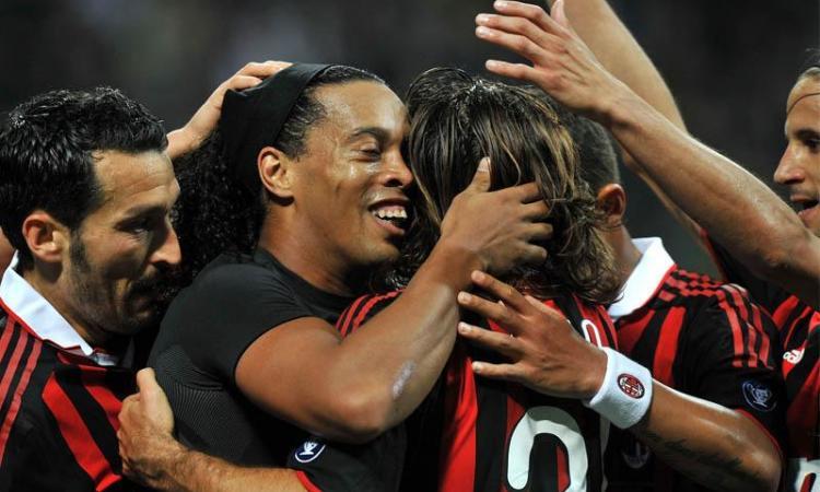 Ronaldinho: 'Non so se resto, Tassotti è pronto per allenare il Milan'