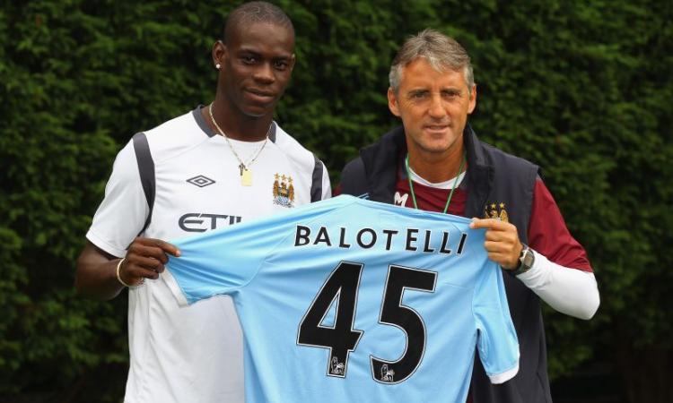 Balotelli: 'Non mi muovo da Manchester'