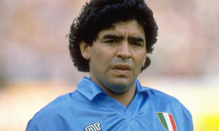 Napoli-Nizza, il guardalinee è figlio d'arte: suo padre ha un precedente con Maradona!