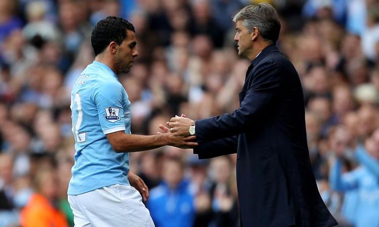 City: rissa sfiorata tra Tevez e Mancini