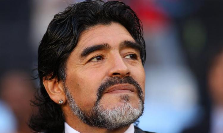 Diego attacca Leo 'Che mestiere fa?'