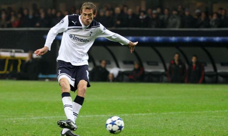 Crouch si ritira, il Tottenham con un VIDEO del gol contro il Milan