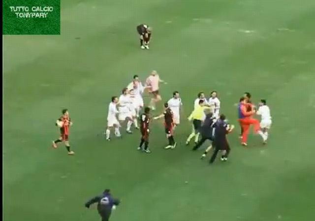 Lega Pro, UFFICIALE: il Foggia riparte da -1