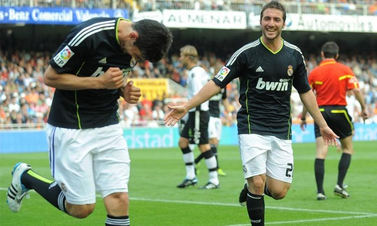 Ibra addio: Milan fra Tevez e Higuain