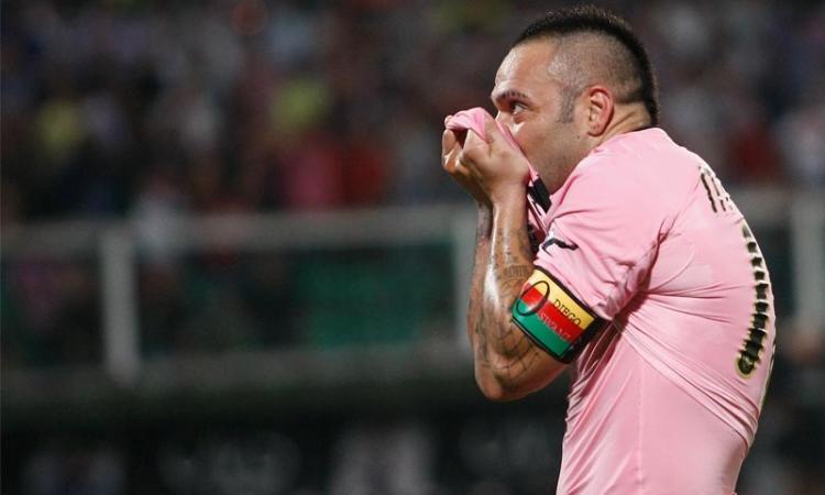 Palermo, giù i prezzi per la Juve. Ma solo per pochi...