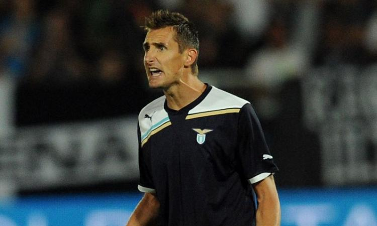 Verso Lazio-Roma: Totti no, Klose forse