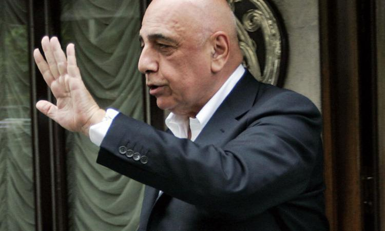VIDEO Berlusconi e Galliani: 'Allegri resta, ma...'