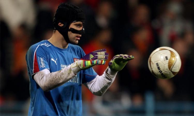 Barcellona: Cech del Chelsea per il dopo Valdes