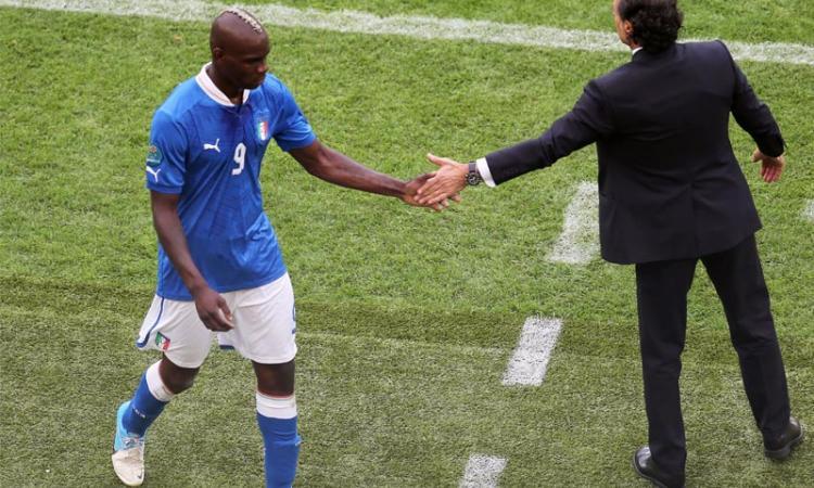 Prandelli: 'De Rossi è troppo tifoso, ma mi preoccupa Balotelli'. C'è Peluso