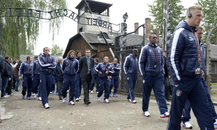 Nazionale in visita ad Auschwitz FOTOGALLERY - VIDEO