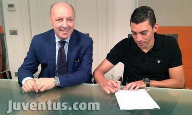 Juve: Lucio un pacco da 8 mln!