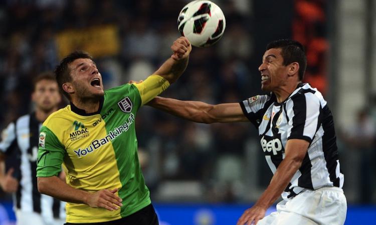 Fenerbahçe:|Bussa alla porta della Juve per Lucio