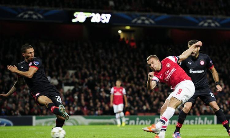 Arsenal, Podolski fermo per tre mesi