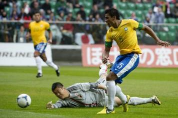 Brasile Paulinho gol