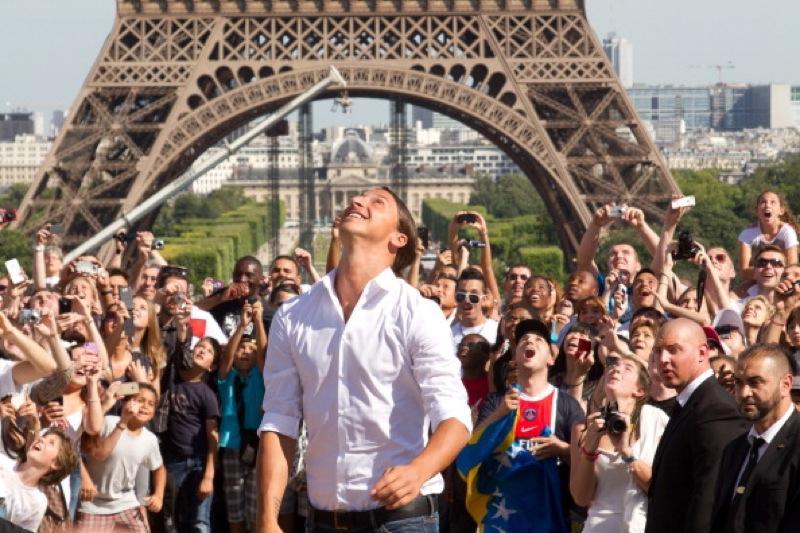 Parigi vincente, Parigi ferita
