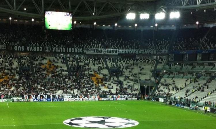 Juvemania: 10.000 napoletani canteranno in uno Juventus Stadium muto?