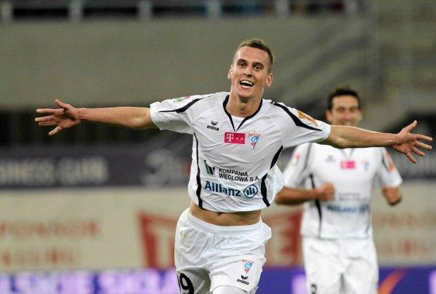 Milik, nuovo Lewandowski: 'Piace a Juventus e Borussia Dortmund'