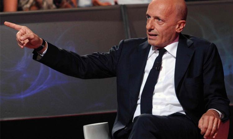 Lite Parenzo-Sallusti: 'No lezioni da chi sosteneva che Ruby fosse la nipote di Mubarak', poi 'Cretino fascista' VIDEO