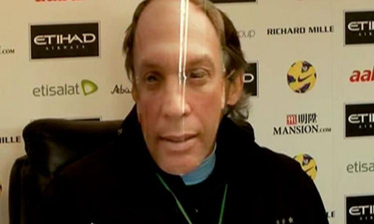 VIDEO Mancini con la maschera di Platt: 'Suarez? Non fa per noi'