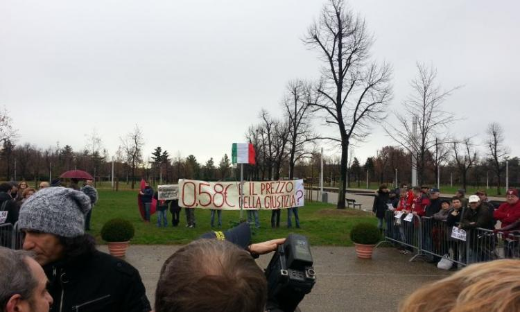 Ecco Piazzale Grande Torino, ma i tifosi protestano