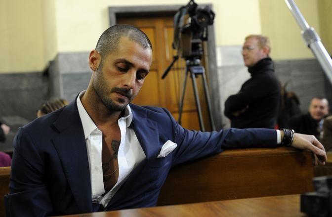 Nuovi guai per Fabrizio Corona: Brozovic lo querela, lui torna in carcere