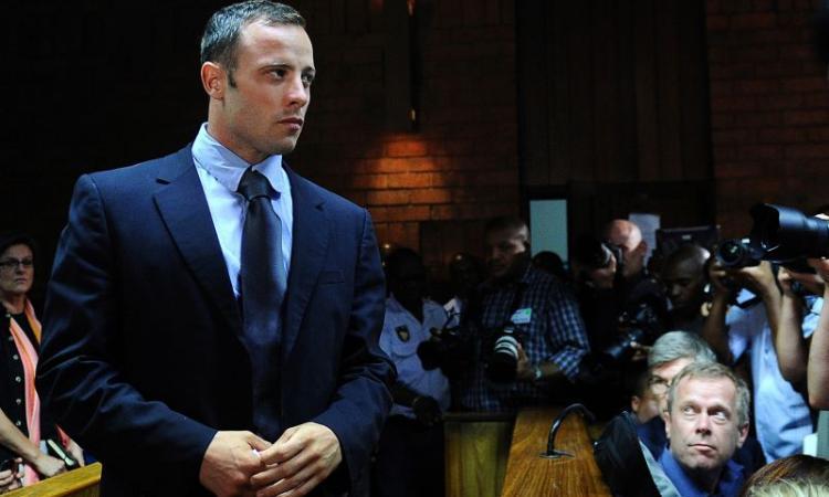 Pistorius torna in libertà su cauzione. Ma resta l'accusa di omicidio premeditato