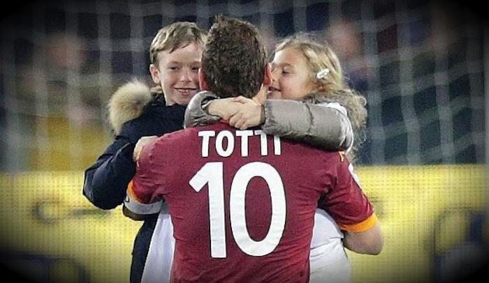 Roma: Totti rinnova fino al 2016 a 3,2 milioni con un futuro da dirigente
