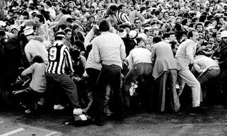 Un fotografo ricorda l'Heysel: 'Giocare fu la soluzione migliore'
