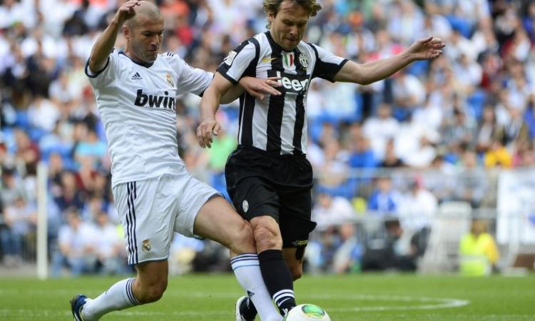 Leggende Real-Juve 2-1, Montero gol. Per Zidane e Cannavaro due maglie