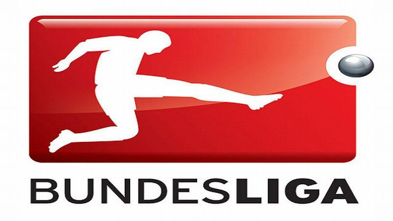 Incredibile in Bundesliga: si gioca con la mascherina?
