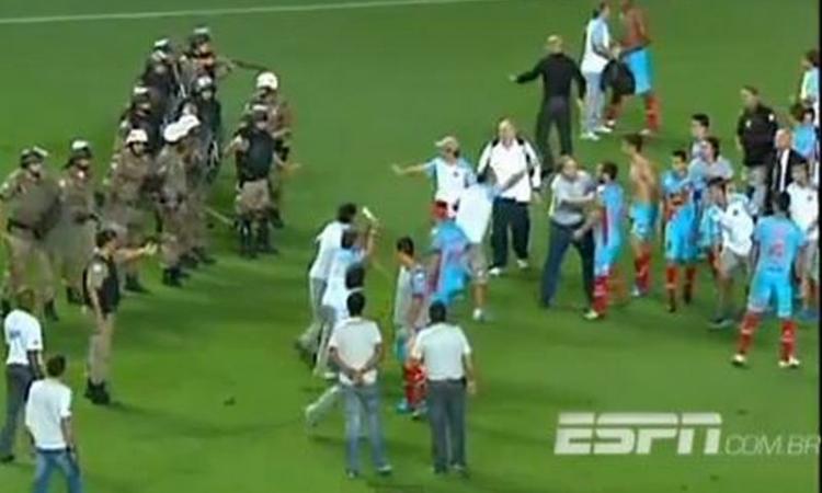 Orrore Brasile: arbitro accoltella un giocatore; viene squartato e decapitato