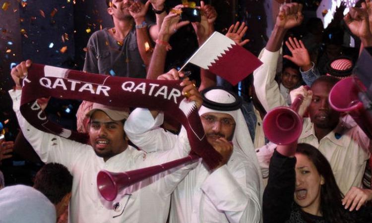 Mondiale in Qatar, è dramma operai: 1200 morti. Fifa accusata di corruzione VIDEO