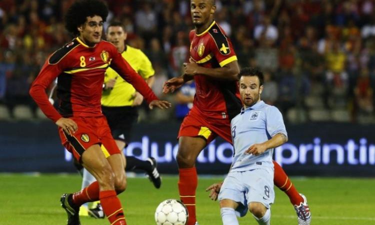 Ag. Valbuena: 'Piace a diversi club europei ma...'