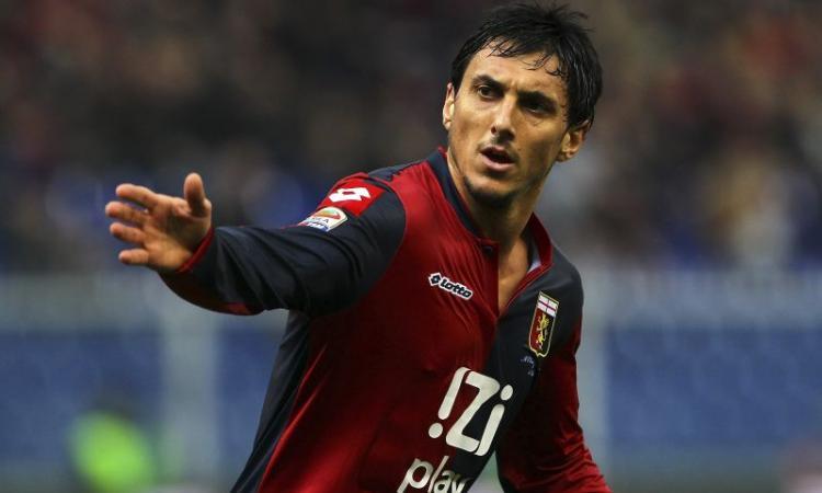 Burdisso si promette al Genoa: 'Un giorno mi piacerebbe allenarlo'