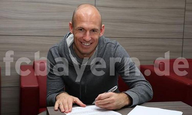 Bayern Monaco, il coronavirus convince Robben a tornare ad allenarsi col club