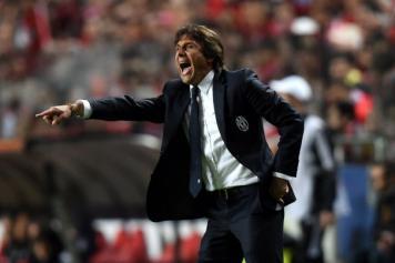 conte dà indicazioni nelle vesti di tecnico della Juventus