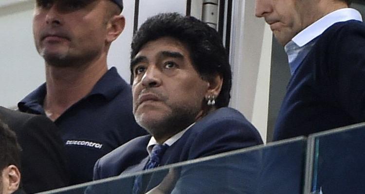 Maradona contro tutti: 'Brasile ai quarti? Ingiustizia. Beckenbauer e Pelè due mummie che obbediscono a Blatter'