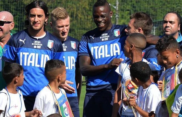 Italiamania: grande festa dei bambini con Balotelli, Pirlo e gli altri azzurri