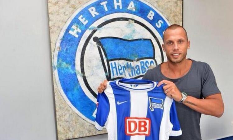Hertha Berlino, UFFICIALE: arriva Heitinga