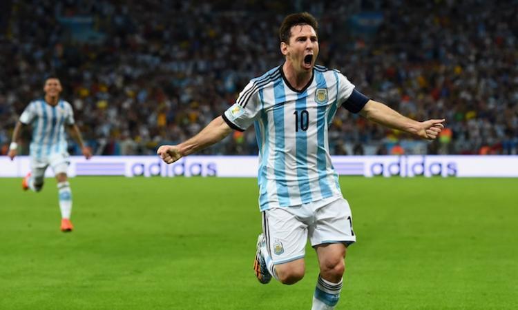 Pallone d'Oro: per i bookmaker trionferà Messi