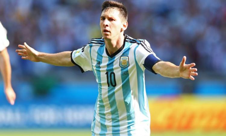 Barcellona: Messi paga 22 milioni di euro al Fisco spagnolo