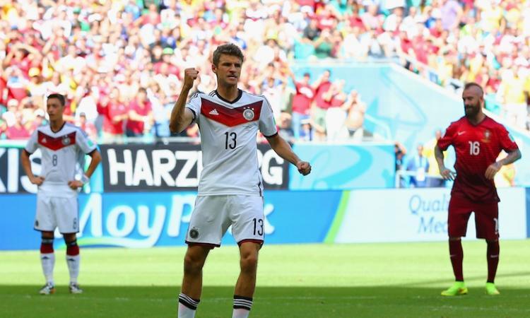 La Germania strapazza il Portogallo: 4-0 con tripletta di Muller. Follia di Pepe