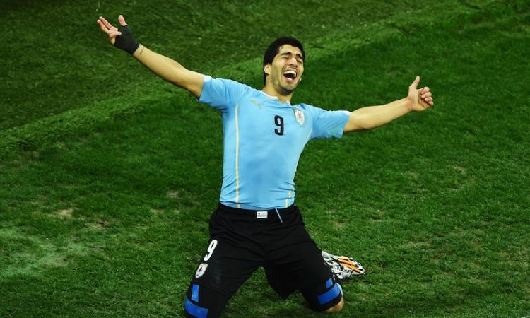 Brasile 2014: Suarez fa a pezzi l'Inghilterra, il FOTORACCONTO